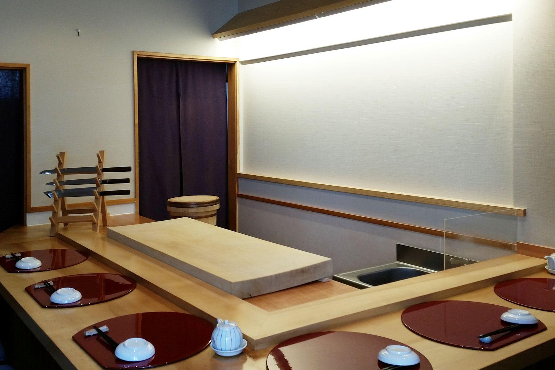 さくら寿司のカウンター